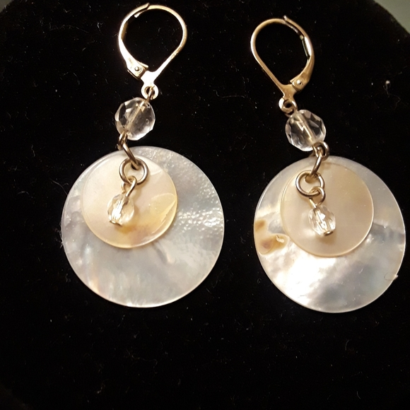 Jewelry - Mother of pearl dangles